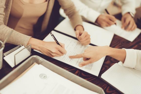 Avocat droit des contrats Cergy