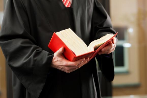 Avocat spécialisé droit des sociétés Cergy